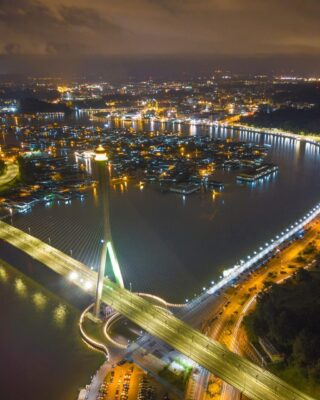 Don't you just love an aerial view of the capital at night? ✨ This magnificient view shows a brightly lit Bandar Seri Begawan and Kampong Ayer, as well as the Raja Isteri Pengiran Anak Saleha Bridge.   #discoverbrunei #travelgram #instatravel #travelasia #travelinspiration #travelphotography #travel #wanderlust #destinationearth #seetheworld